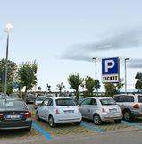 foto di un parcheggio