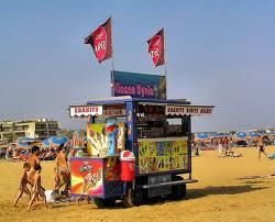 Foto di un carretto ambulante sulla spiaggia