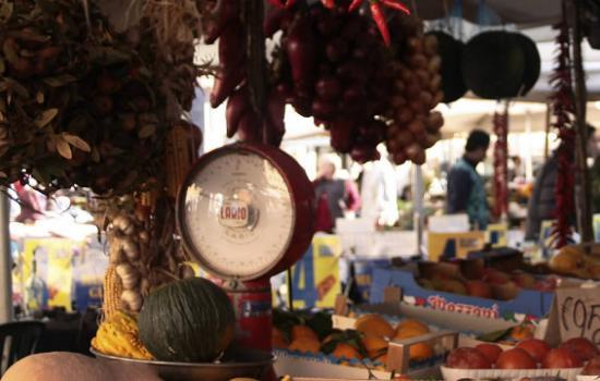 mercatino frutta verdura